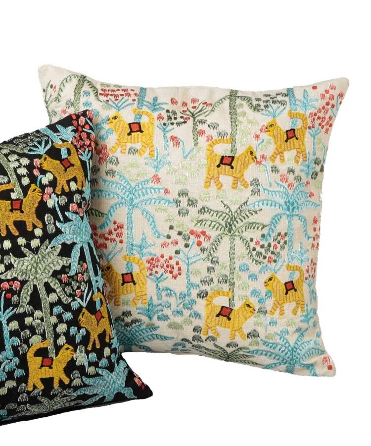 TIMELESS COMFORT(タイムレスコンフォート) ジャングル刺繍クッションカバー
