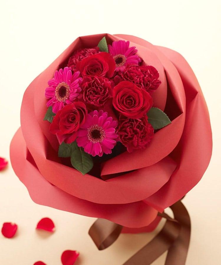 日比谷花壇(ヒビヤカダン) バラの形の花束ペタロ・ローザ「モードレッド」