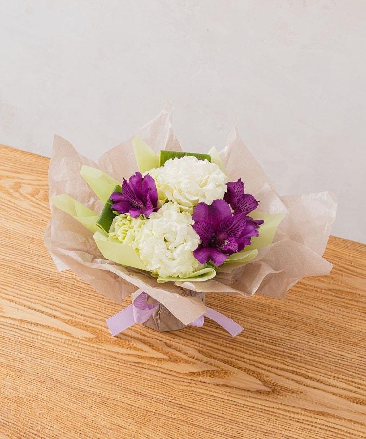 日比谷花壇(ヒビヤカダン) 【お供え用】そのまま飾れるブーケ「おまかせホワイト系」