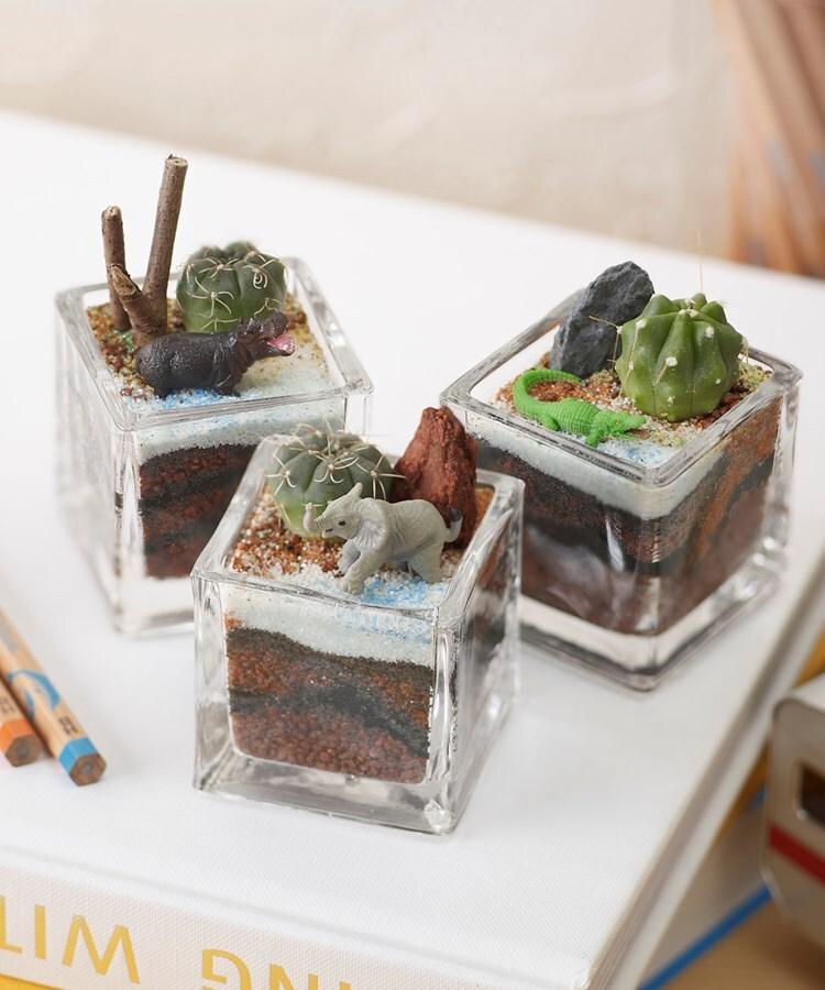 日比谷花壇(ヒビヤカダン) 植物と一緒に楽しむジオラマ「ナイルのゾウ達」ミニ3個入